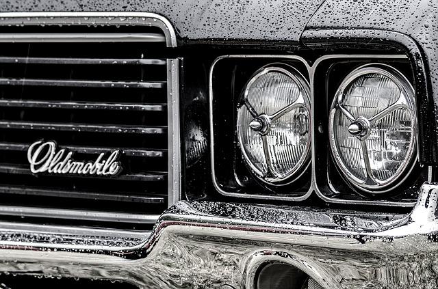 přední světla oldsmobilu