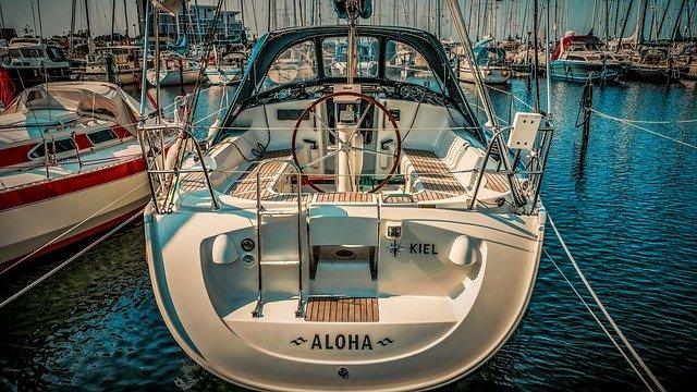 motorový člun.jpg